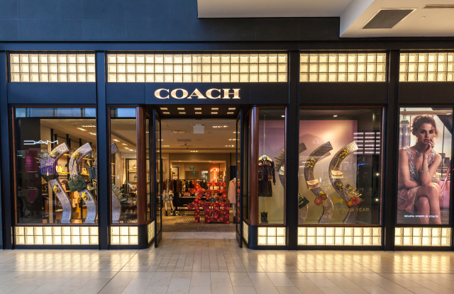 coach luggage outlet